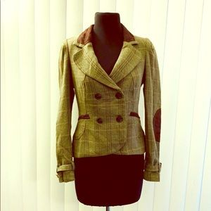 Willow & Clay Green Brown Plaid blazer.